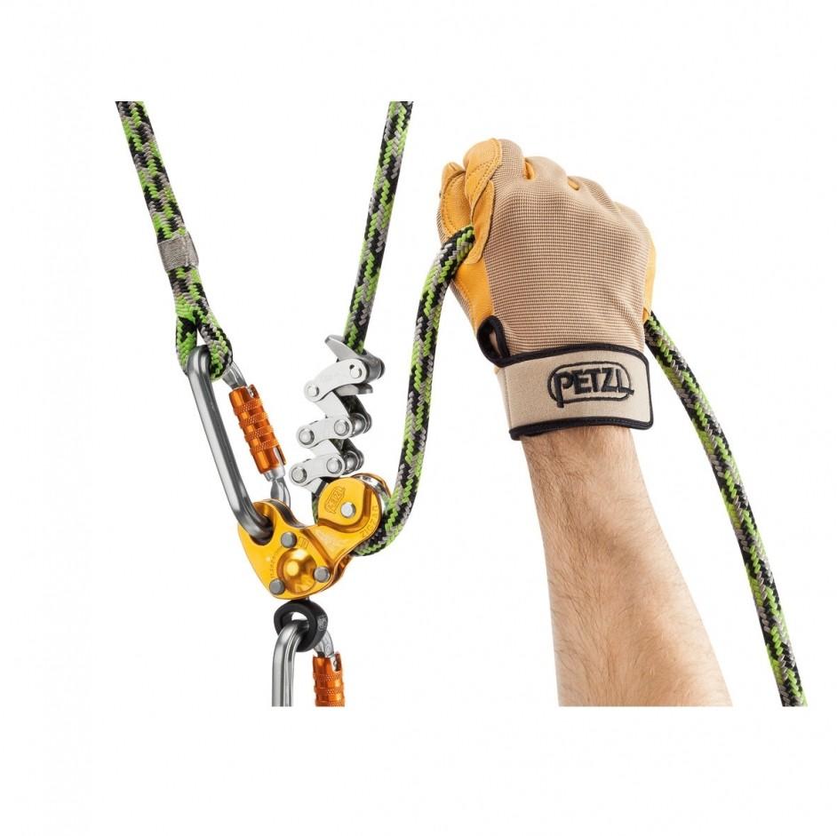 PETZL ZIGZAG verbonden aan een touw
